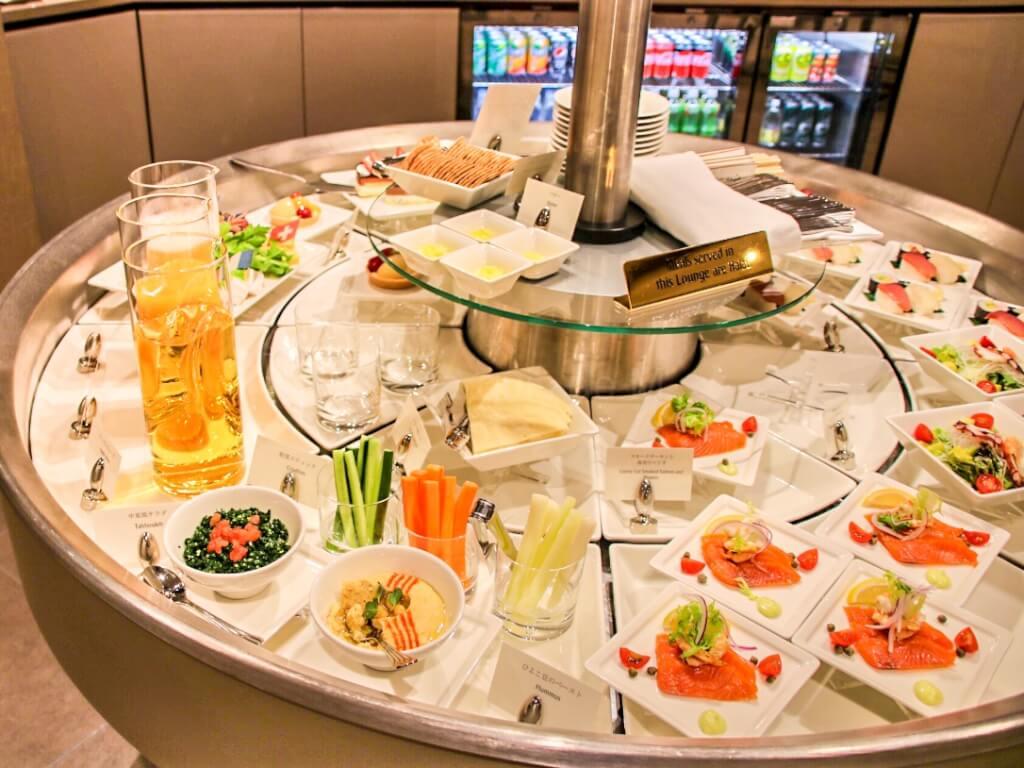 エミレーツ 成田 ラウンジ 食事 Emirates Narita lounge dinner meal
