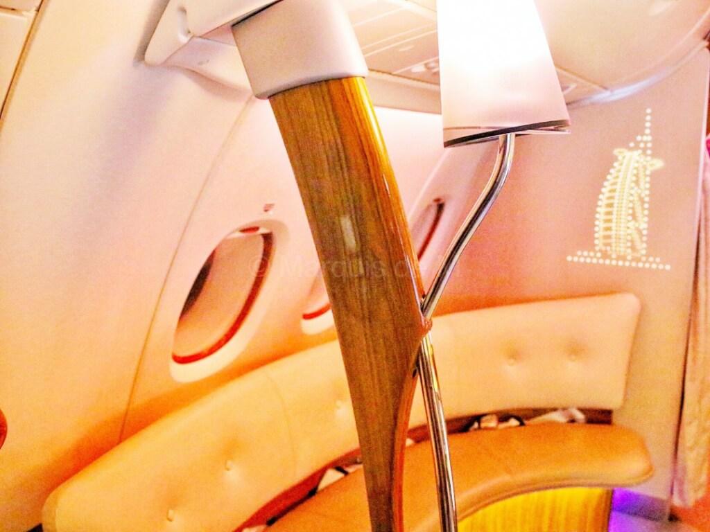 エミレーツ A380 バーカウンター バーラウンジ