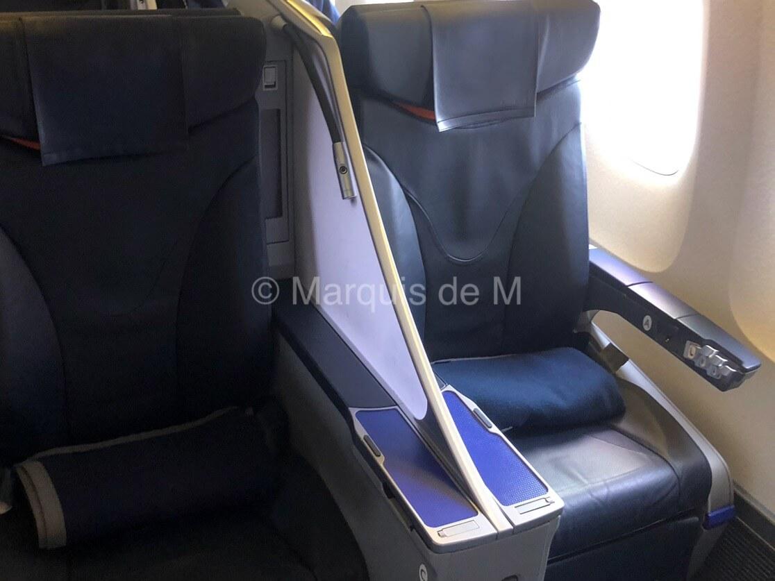 ANA プレミアムクラス 座席 premiumclass chair