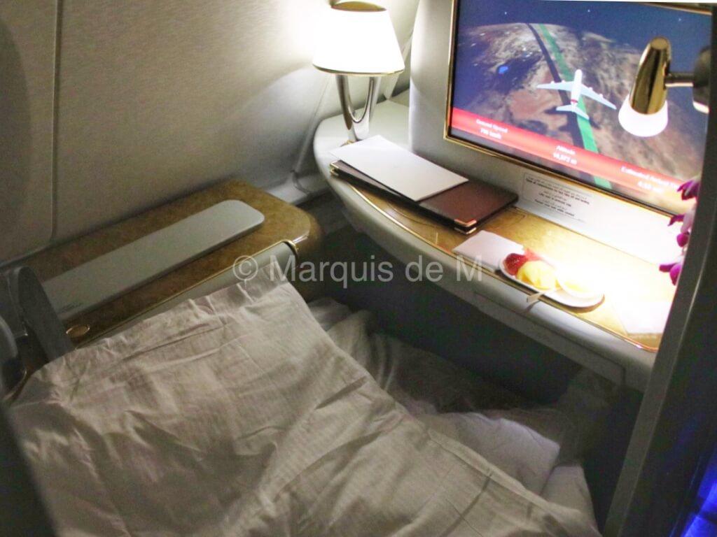 エミレーツ A380 ベッド Emirates bed