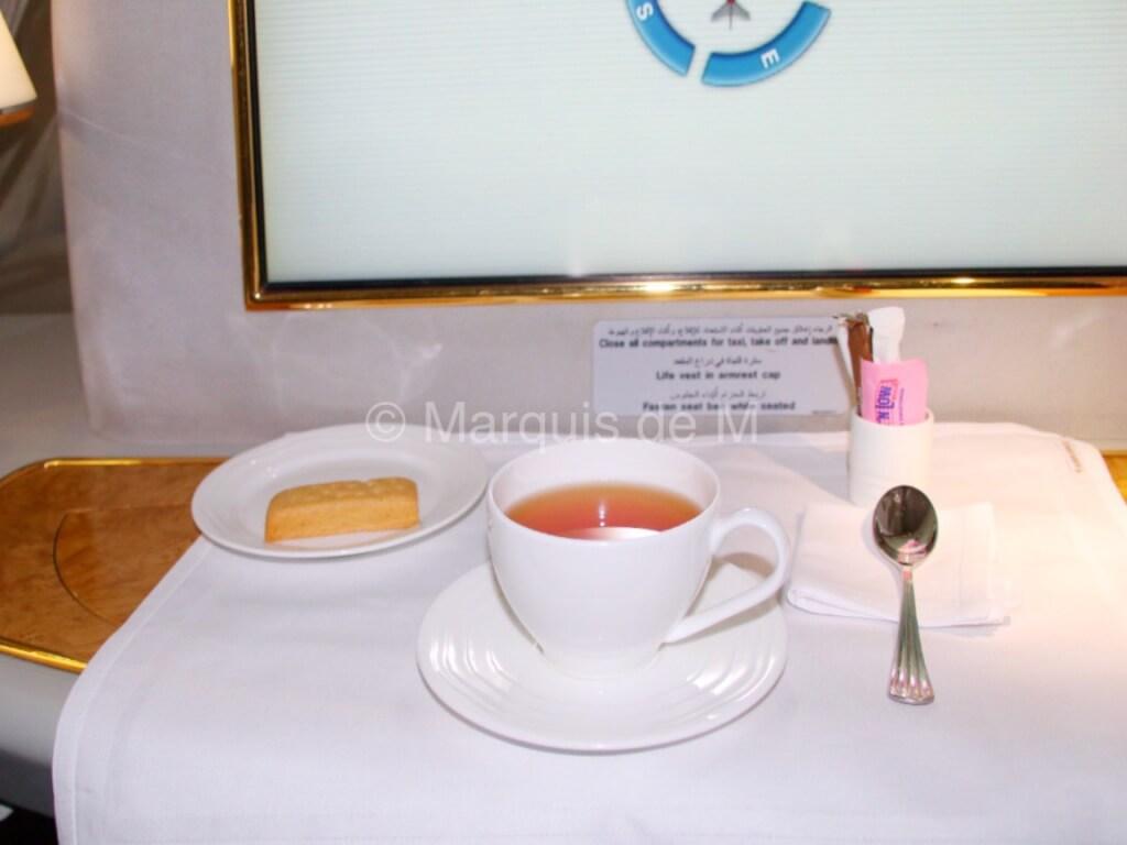 エミレーツ A380 Emirates tea お茶