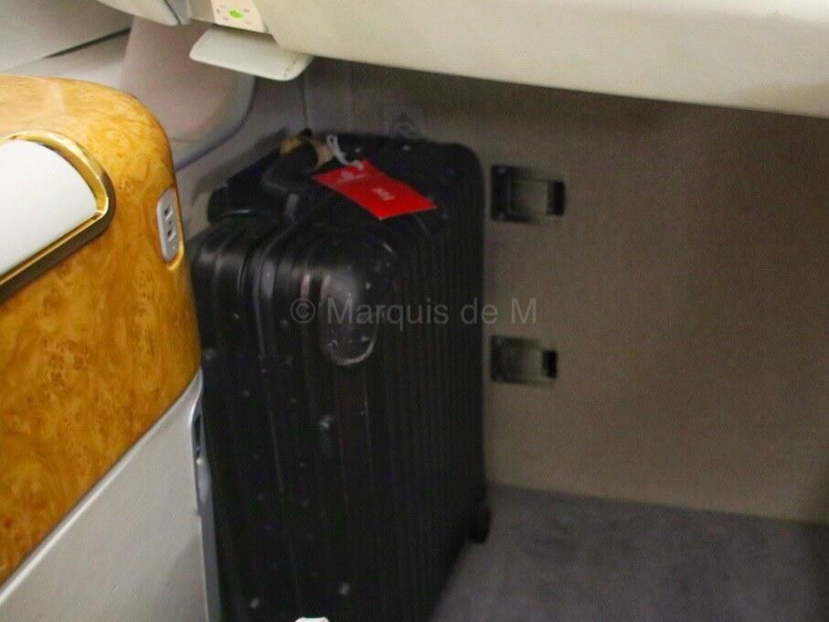 荷物置き エミレーツ 成田 A380 座席 seat Emirates Narita Dubai NRT-DXB