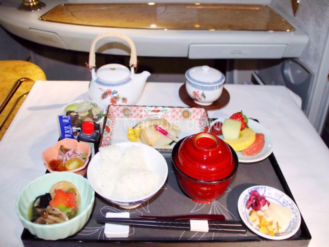 エミレーツ A380 Emirates breakfast 朝食