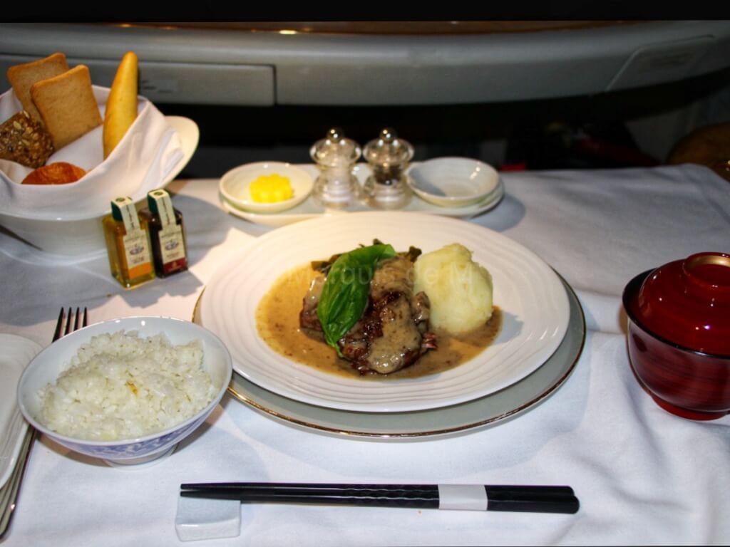 エミレーツファーストクラス ディナー 食事 成田 ドバイ NRT-DXB A380