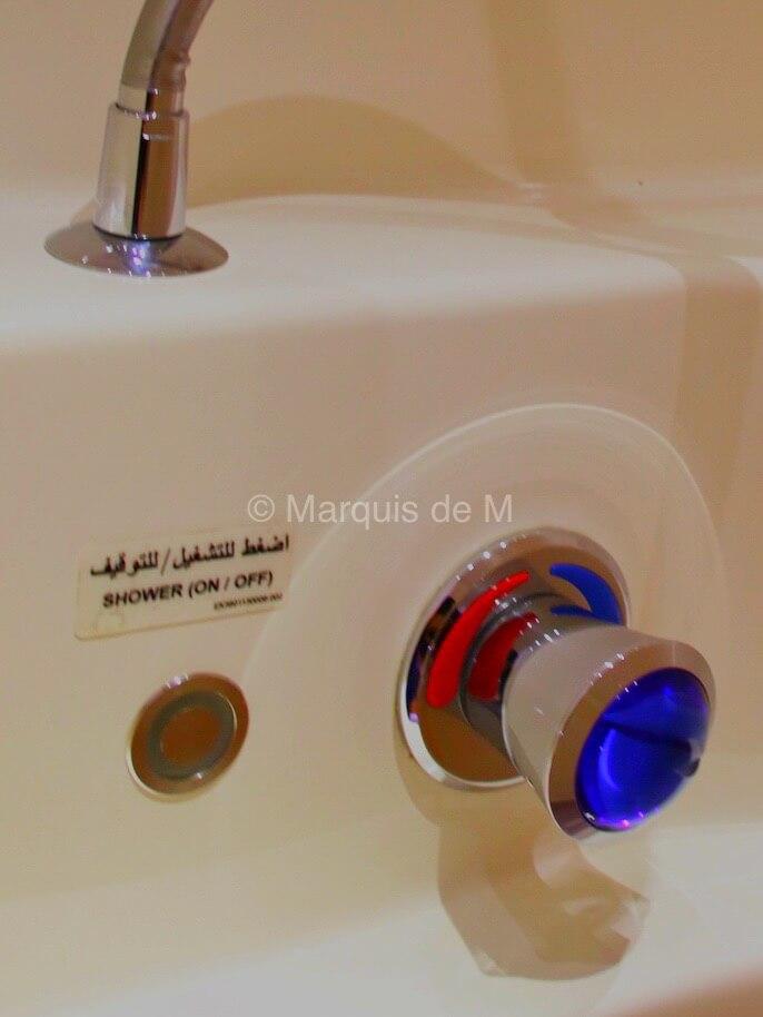 A380 showers シャワールーム エミレーツ ファーストクラス